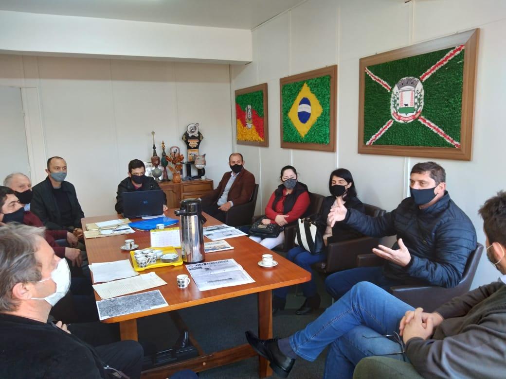 Prefeitos de Alto Alegre, Campos Borges e Espumoso se reúnem para discutir área correspondente às divisas dos municípios