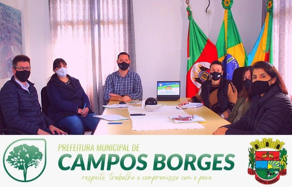 Administração Municipal de Campos Borges recebe representantes do Programa de Cooperativas Escolares da Sicredi