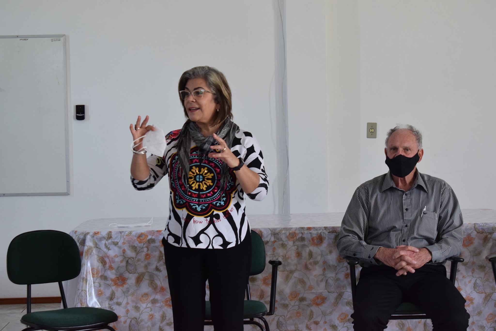 Para Stela Farias, pequenos municípios devem debater Políticas Públicas de combate à Violência Contra a Mulher