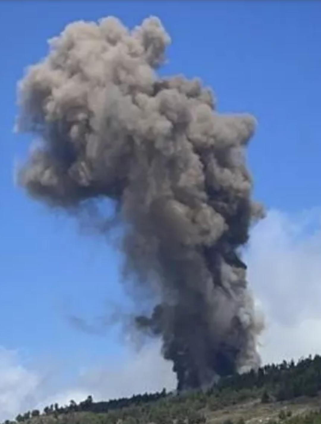 Vulcão entra em erupção em Las Palmas após alerta nas Ilhas Canárias