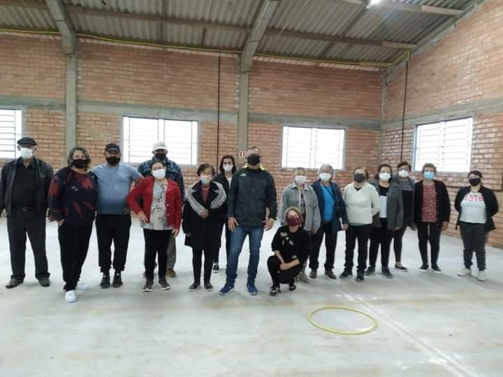 Centro de Referência e Assistência Social de Jacuizinho comemora Dia do Idoso com confraternização
