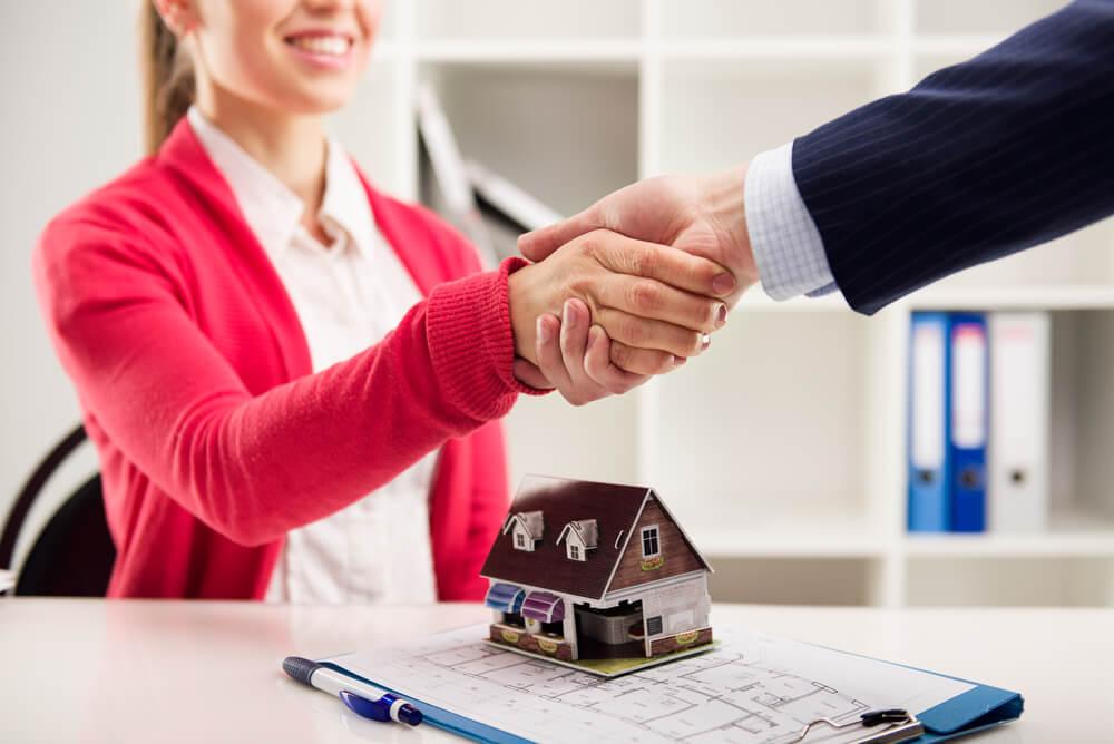 Crédito imobiliário dispara no Brasil e bate recordes em 2021