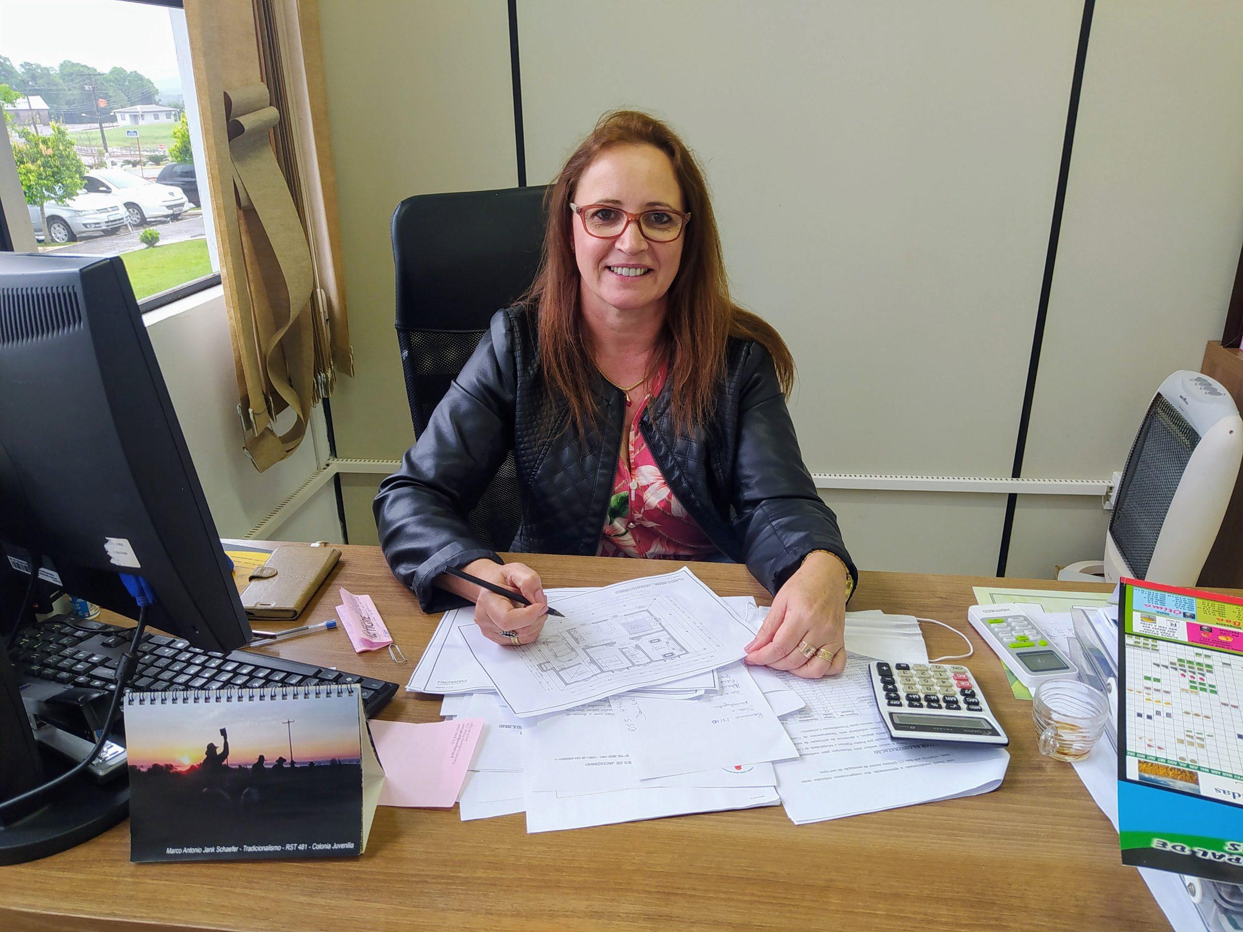 Secretária da Administração Carla Bugs fala sobre perspectiva para o encerramento do ano em Jacuizinho