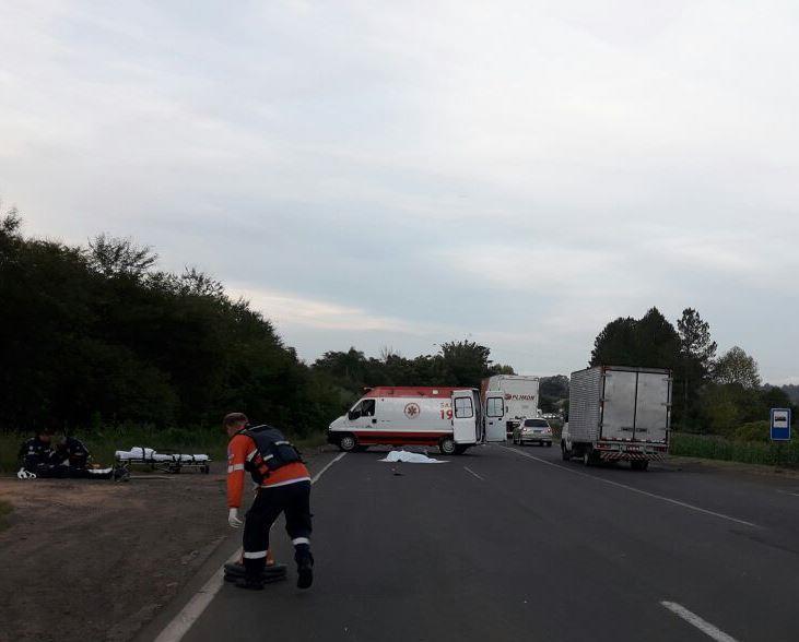 Homem morre em acidente entre carro e moto na RSC 287
