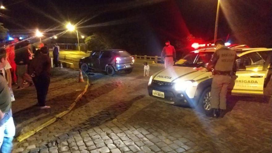 Gol e Vectra se envolvem em acidente em Sobradinho na ponte do Gaúcho