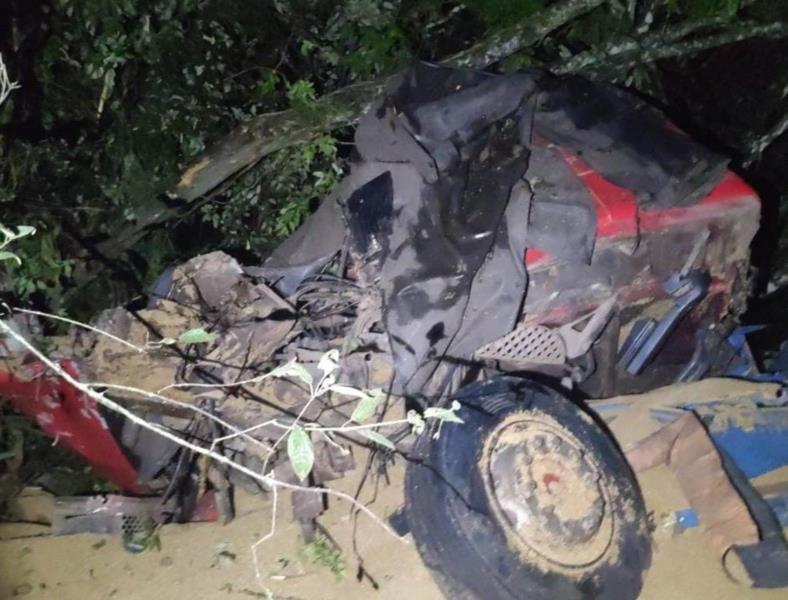 Acidente entre carreta e carro deixa dois mortos na RSC-287 em Vera Cruz