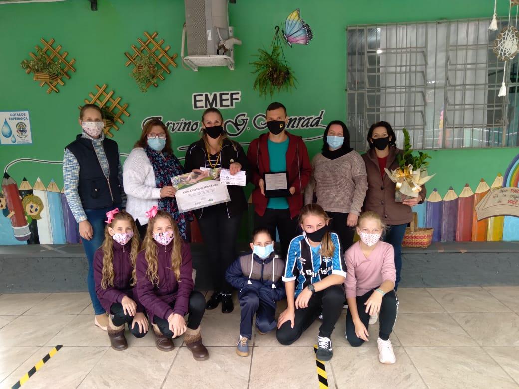 Projeto Verde é Vida premia EMEF Ervino A. G. Konrad de Linha São Roque