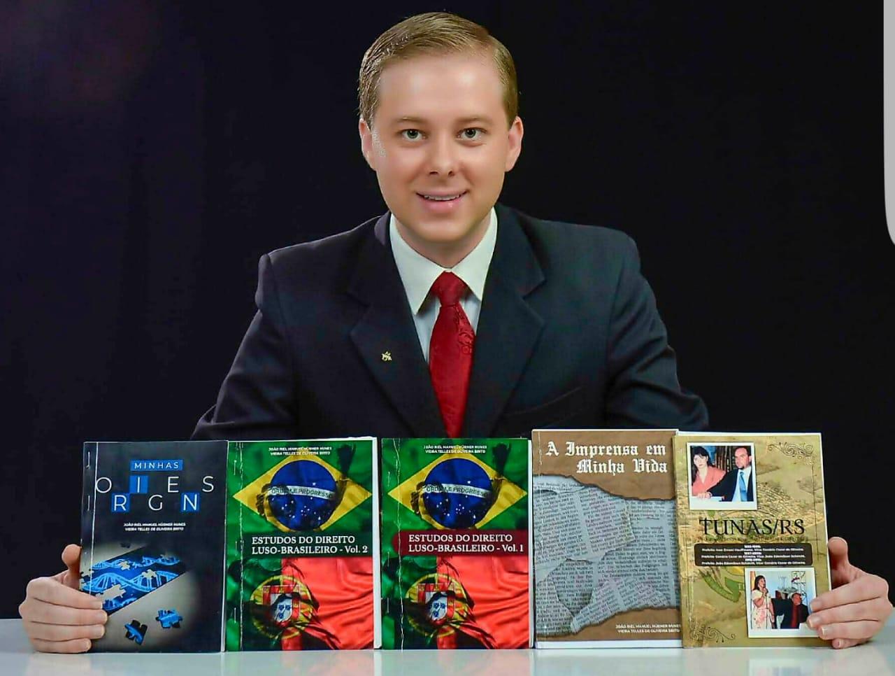 João Riél lança 05 novos livros