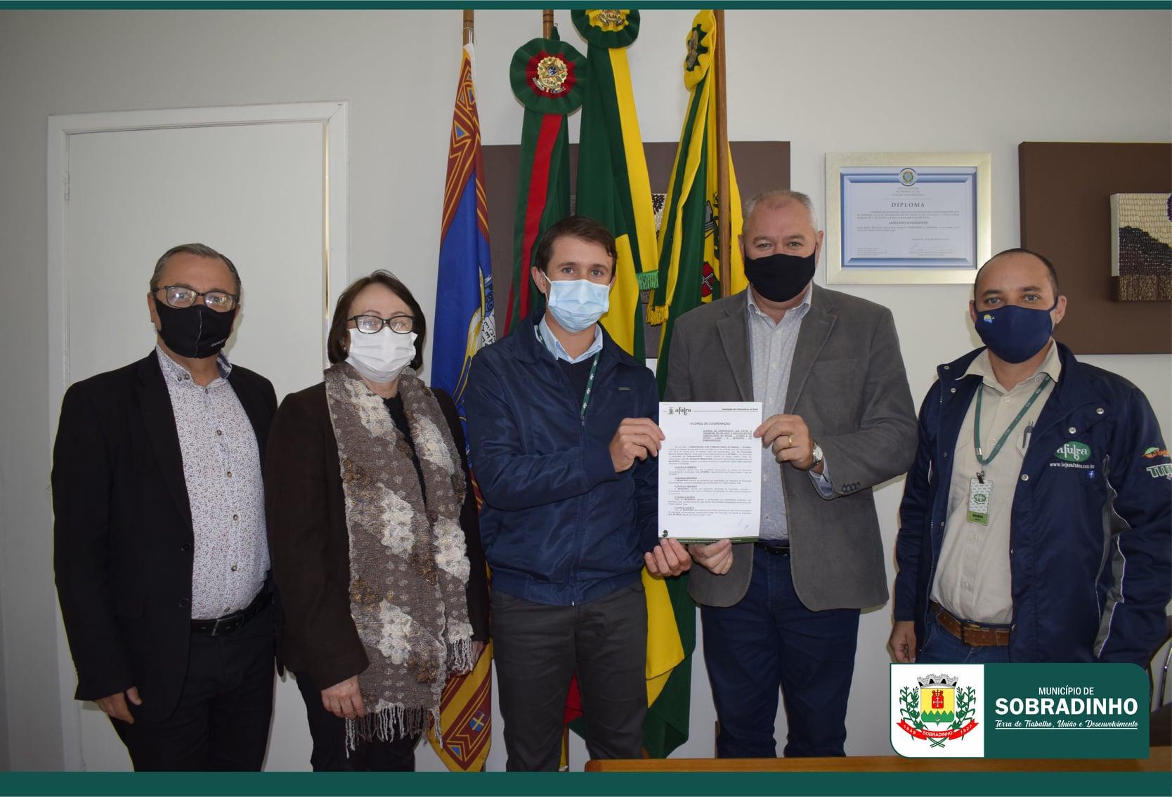 Sobradinho firma acordo de cooperação com o Projeto Verde é Vida