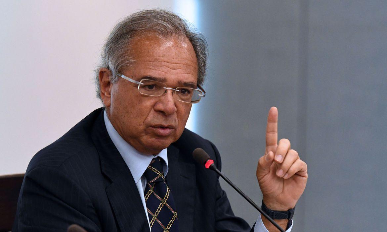 Auxílio Emergencial será prorrogado por mais dois meses, afirma ministro Paulo Guedes