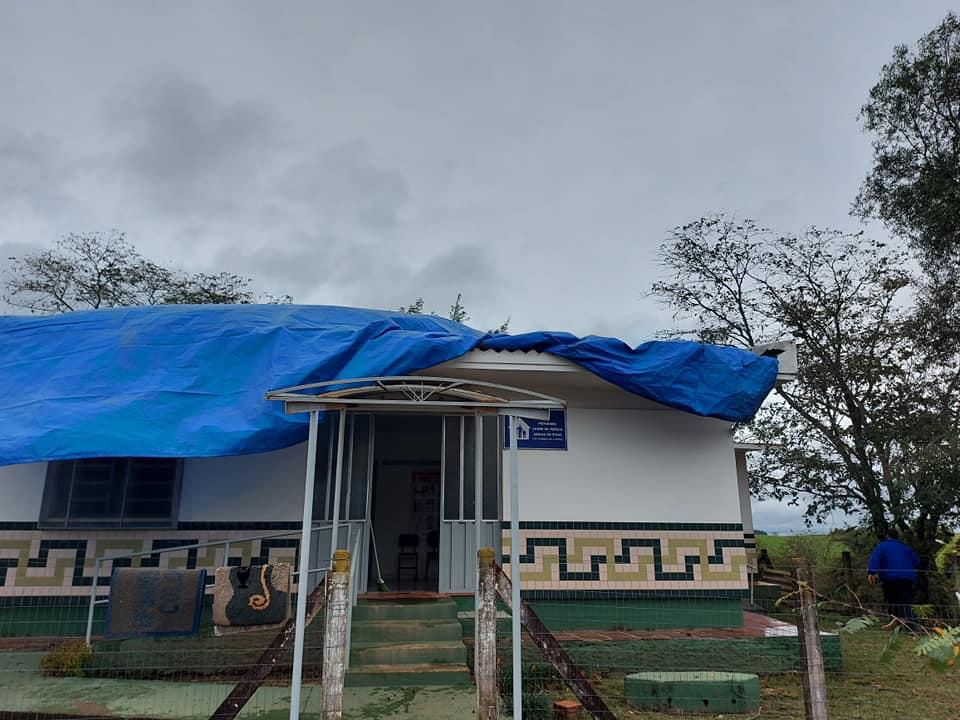 Vento forte causa estragos nos municípios da região