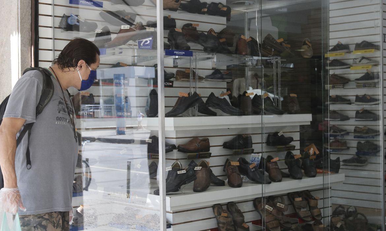 Comércio varejista teve alta de 1,8% de março para abril