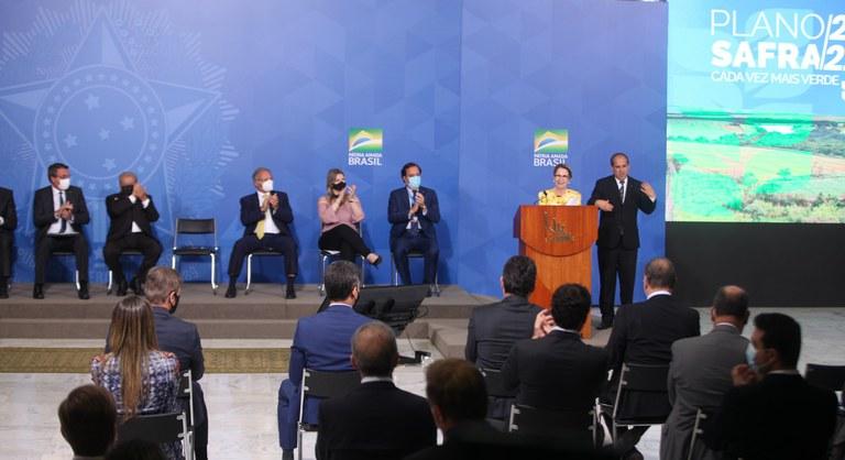 Plano Safra 21/22 é lançado e destina R$ 251,2 bilhões
