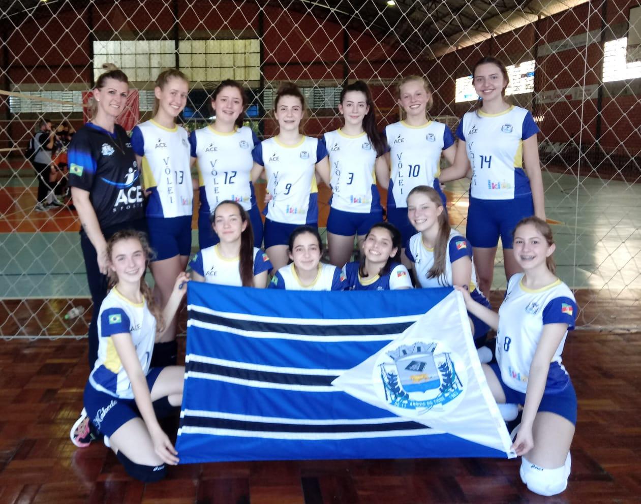 Escolinha de voleibol ACE SPORTS de Arroio do Tigre retoma treinos e participa de competição