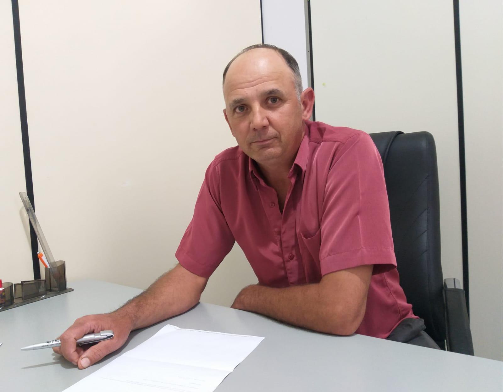 Jacuizinho realiza a recuperação das estradas do município