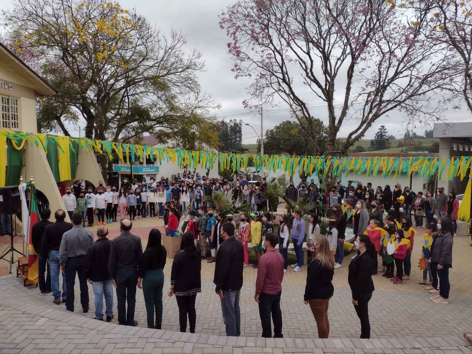 Encerramento das atividades alusivas a Semana da Pátria em Segredo