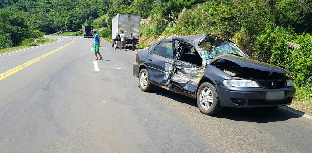 Acidente na BR-386 deixa três pessoas feridas em São José do Herval