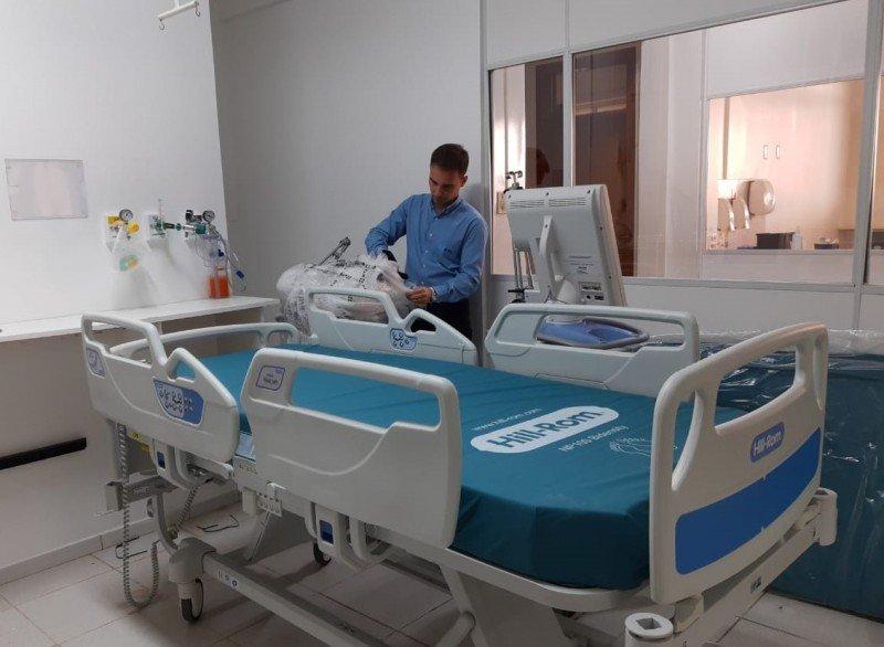 Hospital de Clínicas de Passo Fundo recebe 10 leitos de UTI para Covid-19