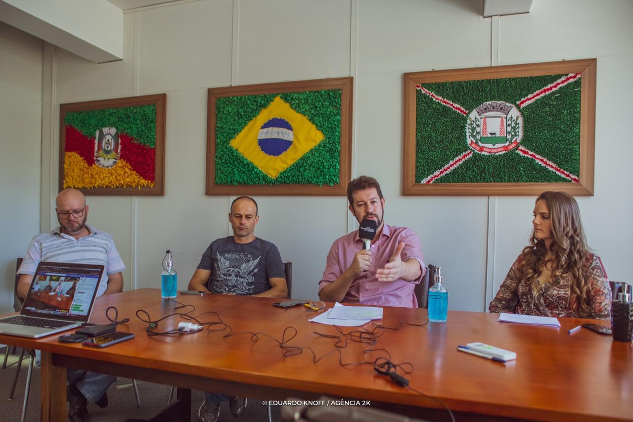 ESPUMOSO I Prefeito Douglas Fontana anunciou como será o retorno do comércio