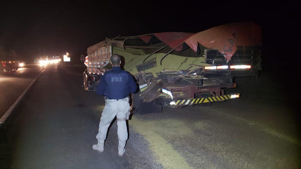 Acidente envolvendo dois caminhões é registrada na BR-386, em Tio Hugo