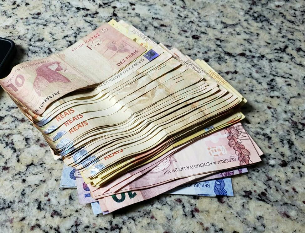 PRF prende suspeitos de passarem notas falsas no Rio Grande do Sul
