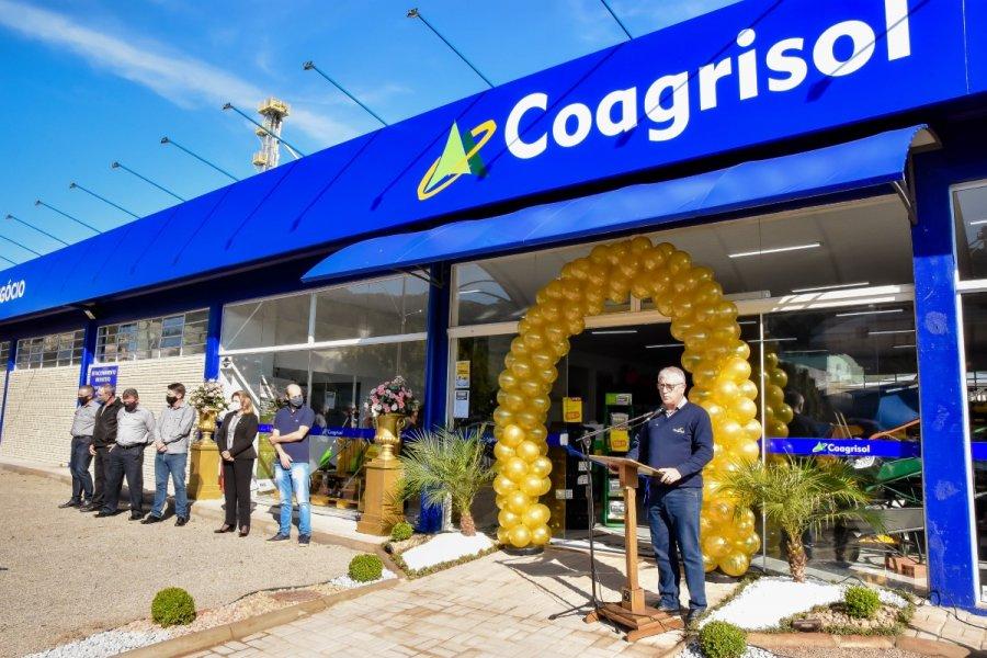 Coagrisol reinaugura unidade em Nova Alvorada e apresenta novos nichos de negócio