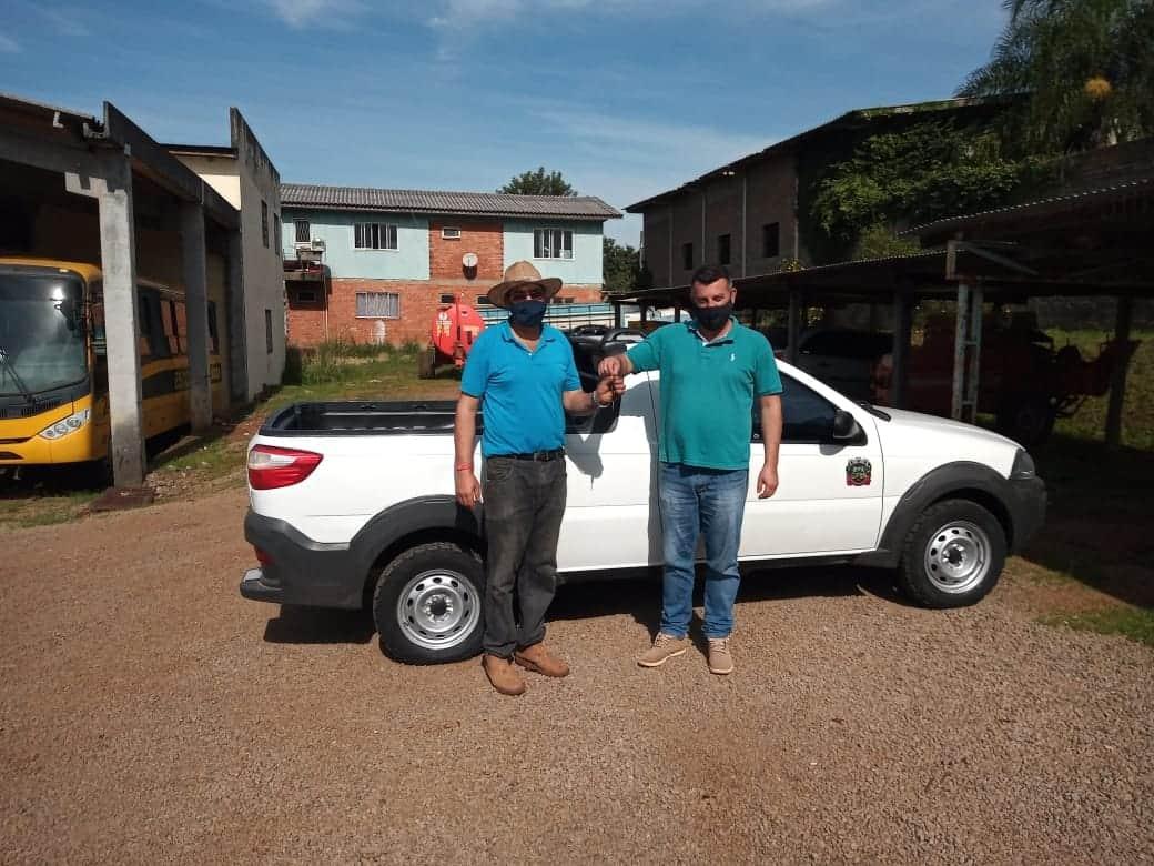Administração Municipal de Mormaço  adquire novo veículo para a Secretaria de Agricultura