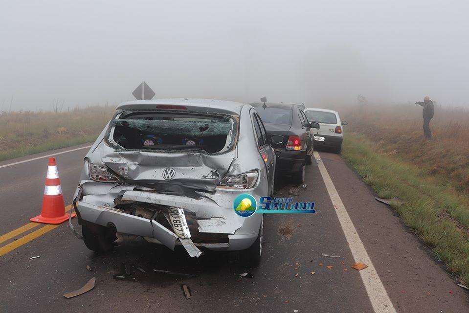 Acidente envolvendo cinco veículos deixa duas pessoas feridas em Barros Cassal