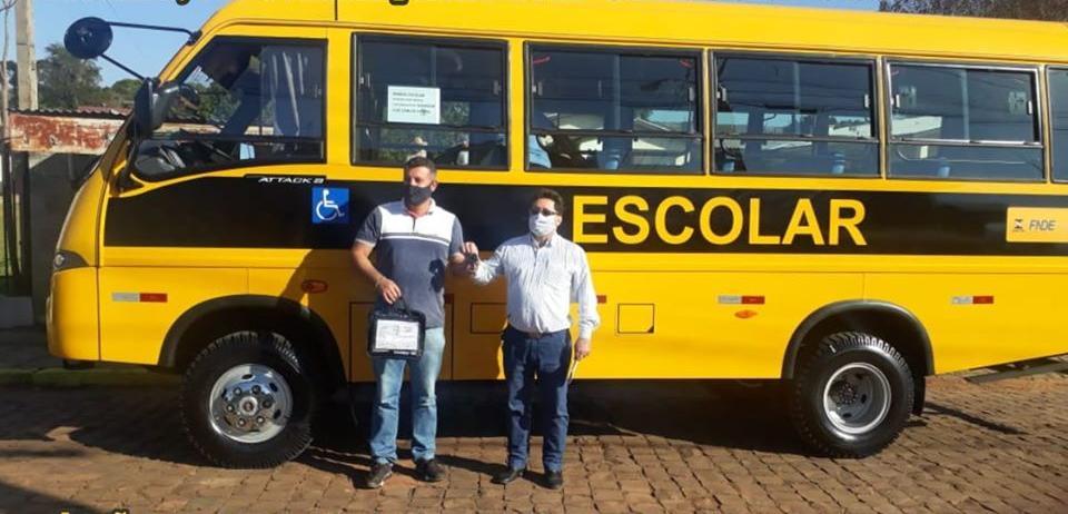 Prefeitura de Mormaço recebe novo ônibus para transporte escolar