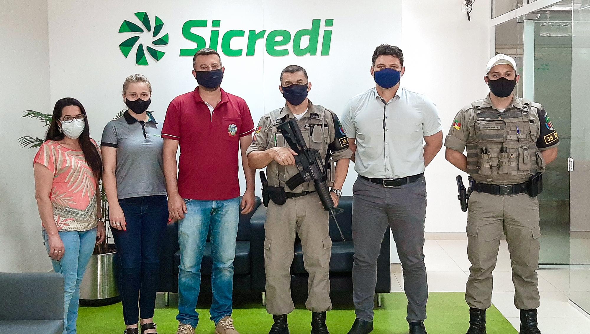 Agências do Sicredi auxiliam para a segurança local nos municípios