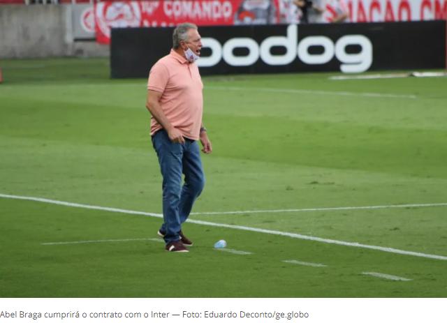 Abel Braga aceita proposta de nova direção e fica no Inter até o fim do Brasileirão