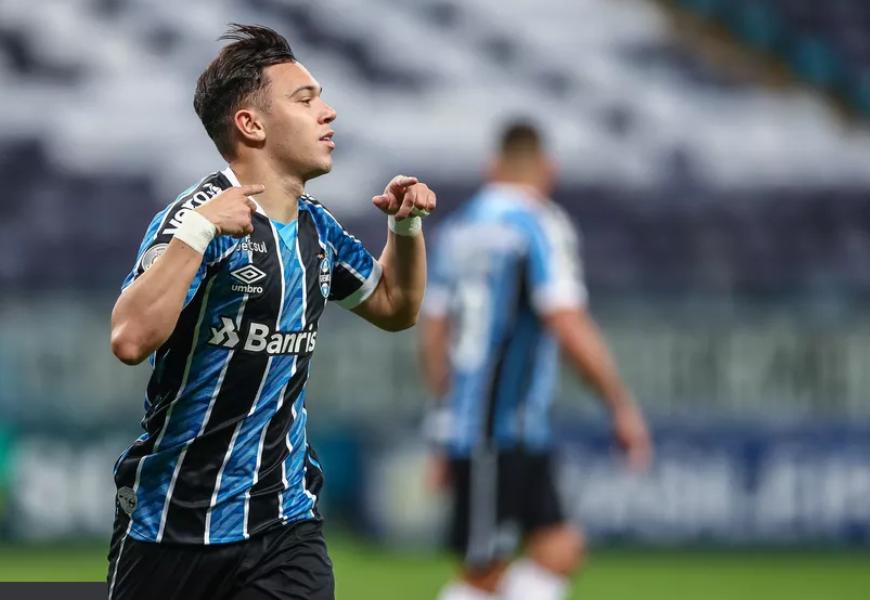 Grêmio pode ficar com 20% dos direitos de Pepê em negócio com o Porto, diz jornal português
