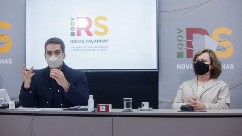 Após acordo histórico, governador assina decreto de renovação do Fundoleite