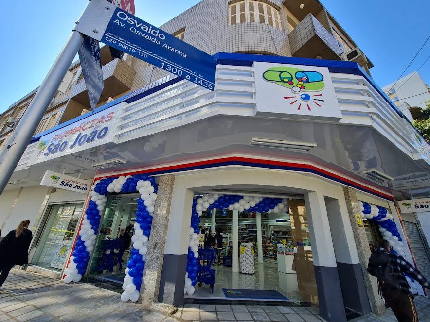 Rede de Farmácias São João inaugura 70ª loja em Porto Alegre e anuncia parceria para criação do Memorial da Gratidão
