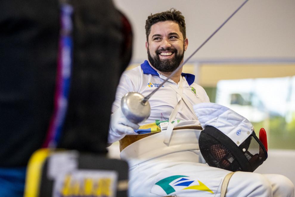 Esgrimista natural de Barros Cassal disputará Paralimpíada de Tóquio