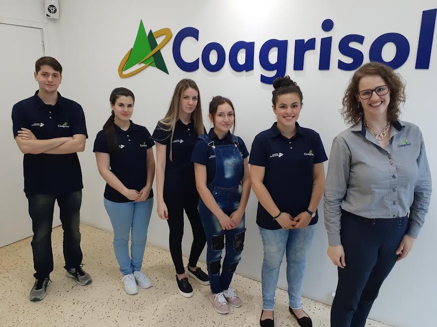 Jovens do programa Aprendiz Cooperativo iniciam atividades práticas na Coagrisol