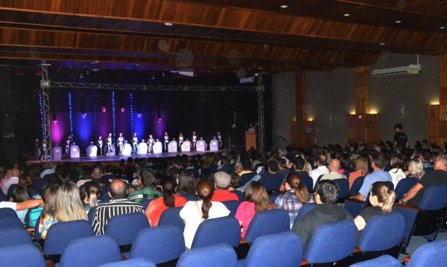 Espetáculo da oficina de dança da SMECD abre programação do Natal Preciosa Magia