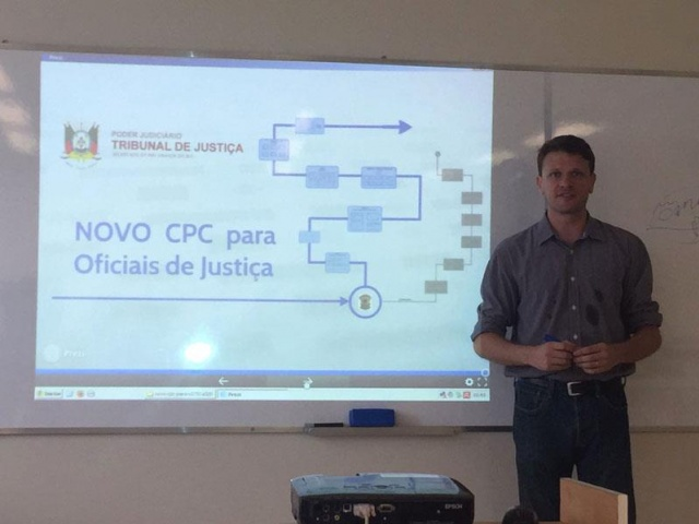 Oficial de justiça do TJRS profere palestra na UPF Soledade