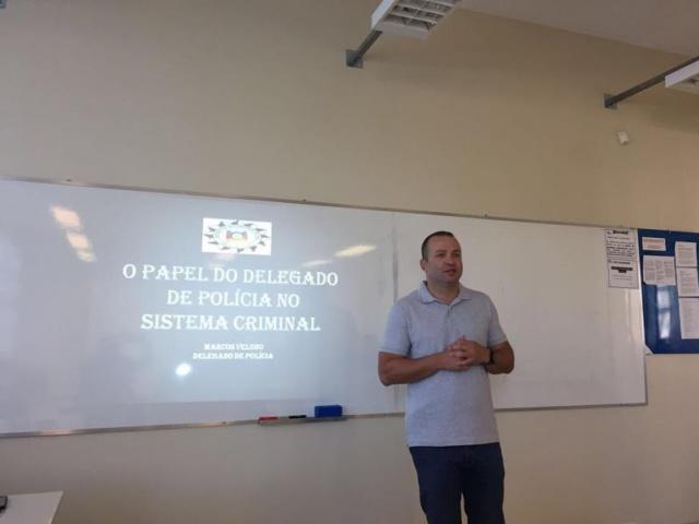 Delegado de polícia palestra para acadêmicos do curso de Direito da UPF Soledade