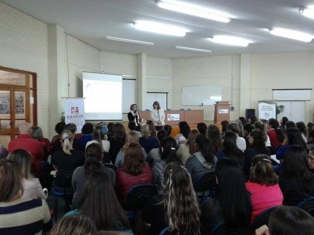 Faculdade de Educação da UPF realiza aula pública em Soledade