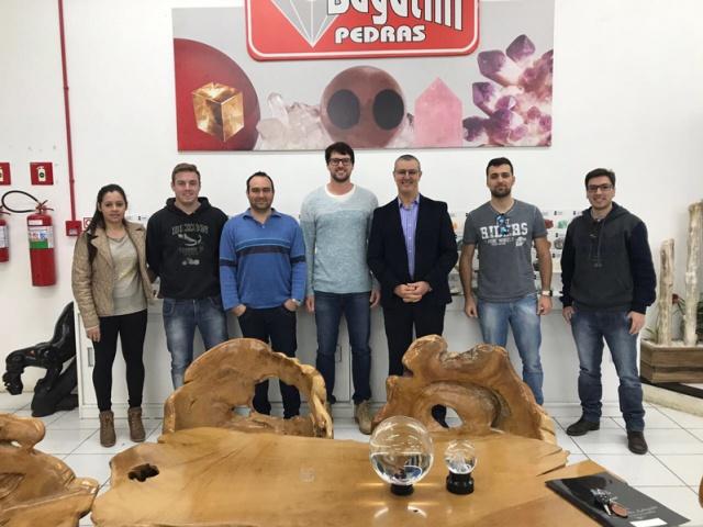 UPF Soledade promove visita de estudos à empresa de exportação