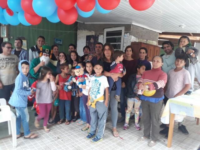 Mesmo com sua idade avançada Dona Mocinha faz o Natal das crianças em Soledade