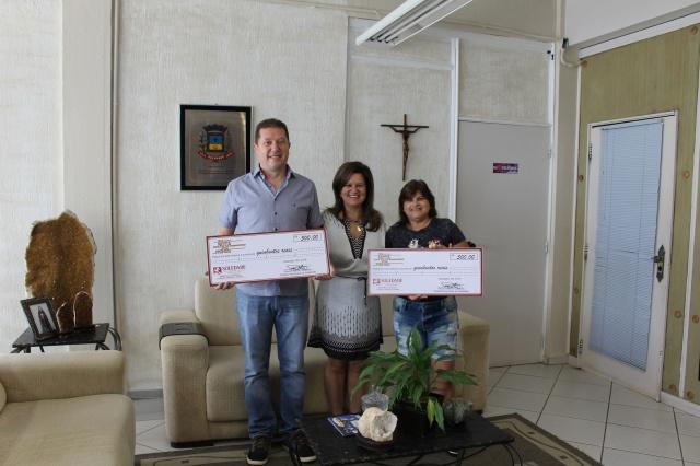 Campanha Sua Nota Vale Prêmios realiza entrega de dois cheques de R$ 500,00