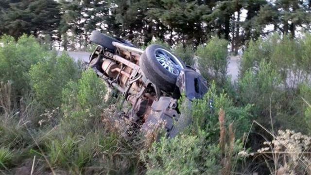 Carro é encontrado caído às margens da RSC 153, entre Barros Cassal e Soledade