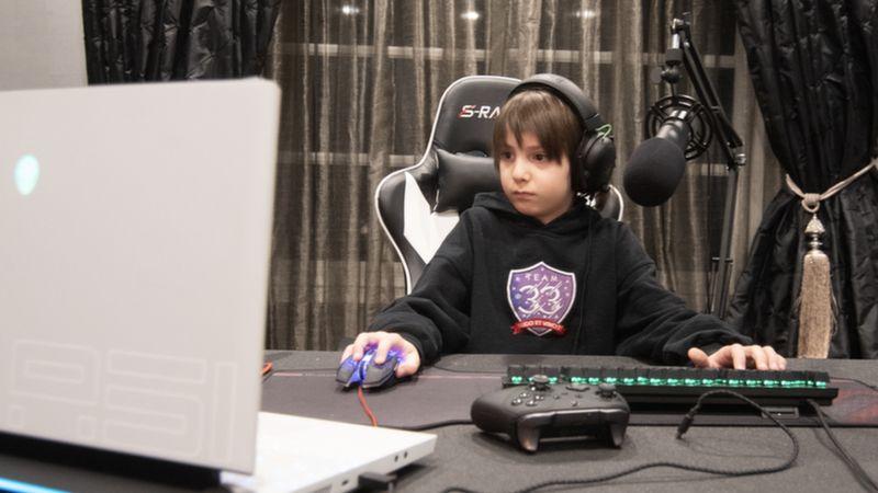 Com contrato de 33 mil dólares, menino de 8 anos se torna jogador profissional de Fortnite