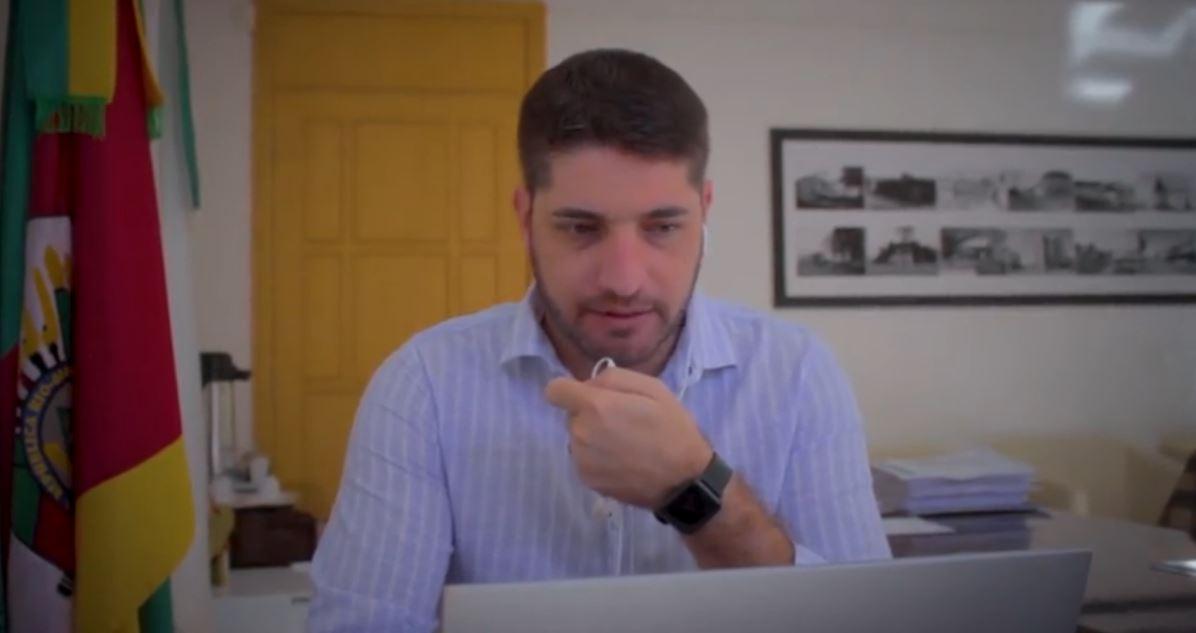 Docentes de Não-Me-Toque recebem treinamento para utilizar Chromebooks