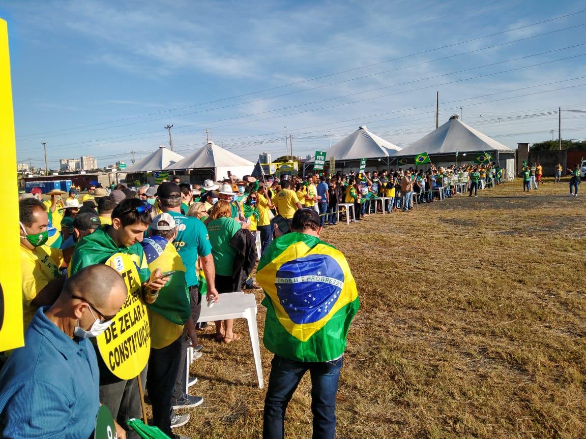 Caravanas de todo o Brasil chegam em Brasília para Movimento Brasil Verde e Amarelo
