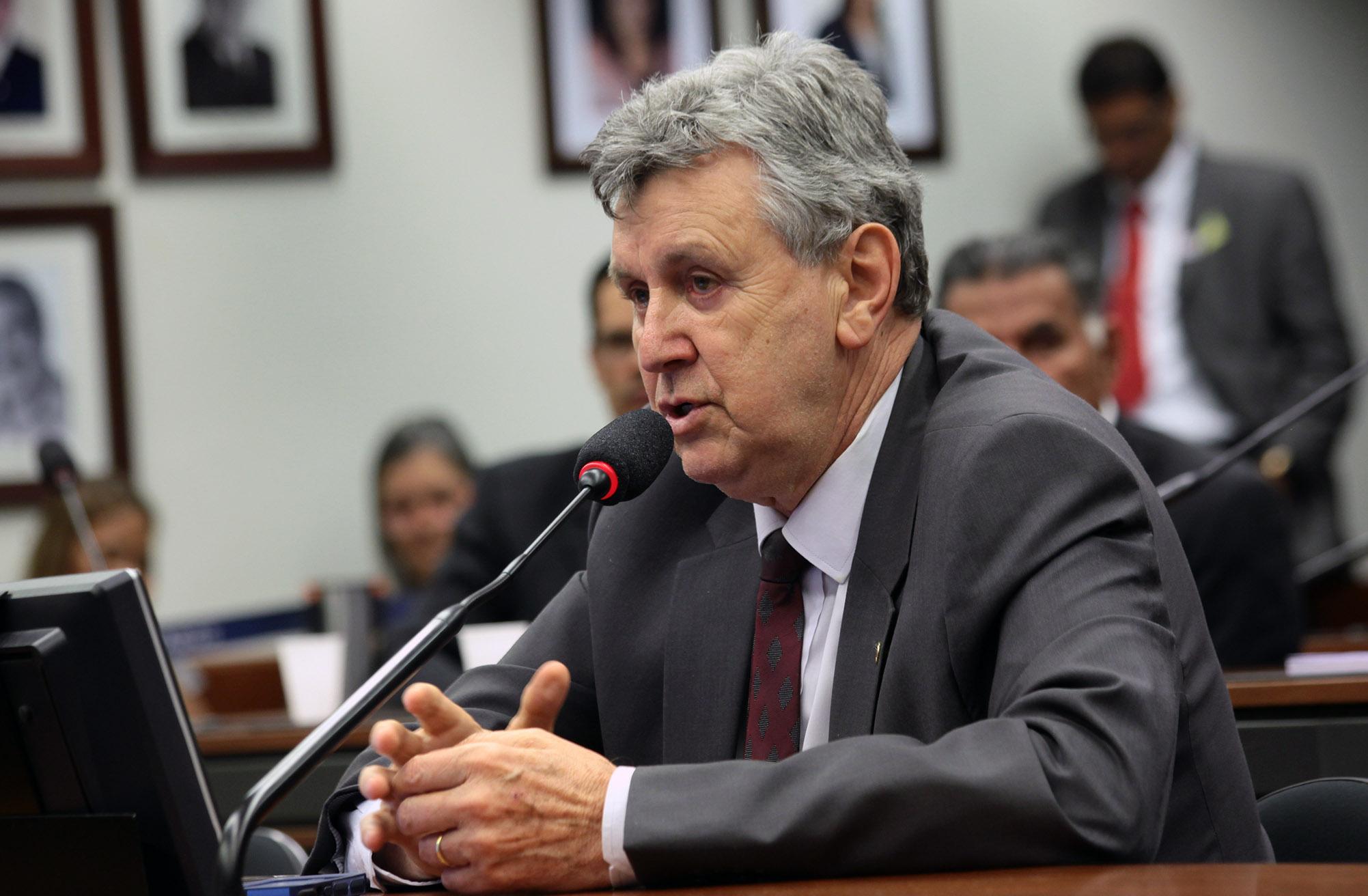 Senador Luis Carlos Heinze confirma que partido articula sua candidatura ao Governo do RS em 2022
