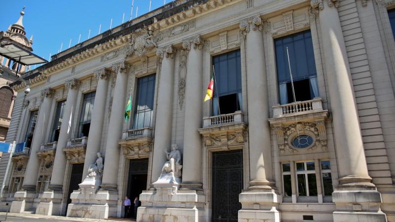 Governo do RS anuncia pagamento do funcionalismo em dia até dezembro