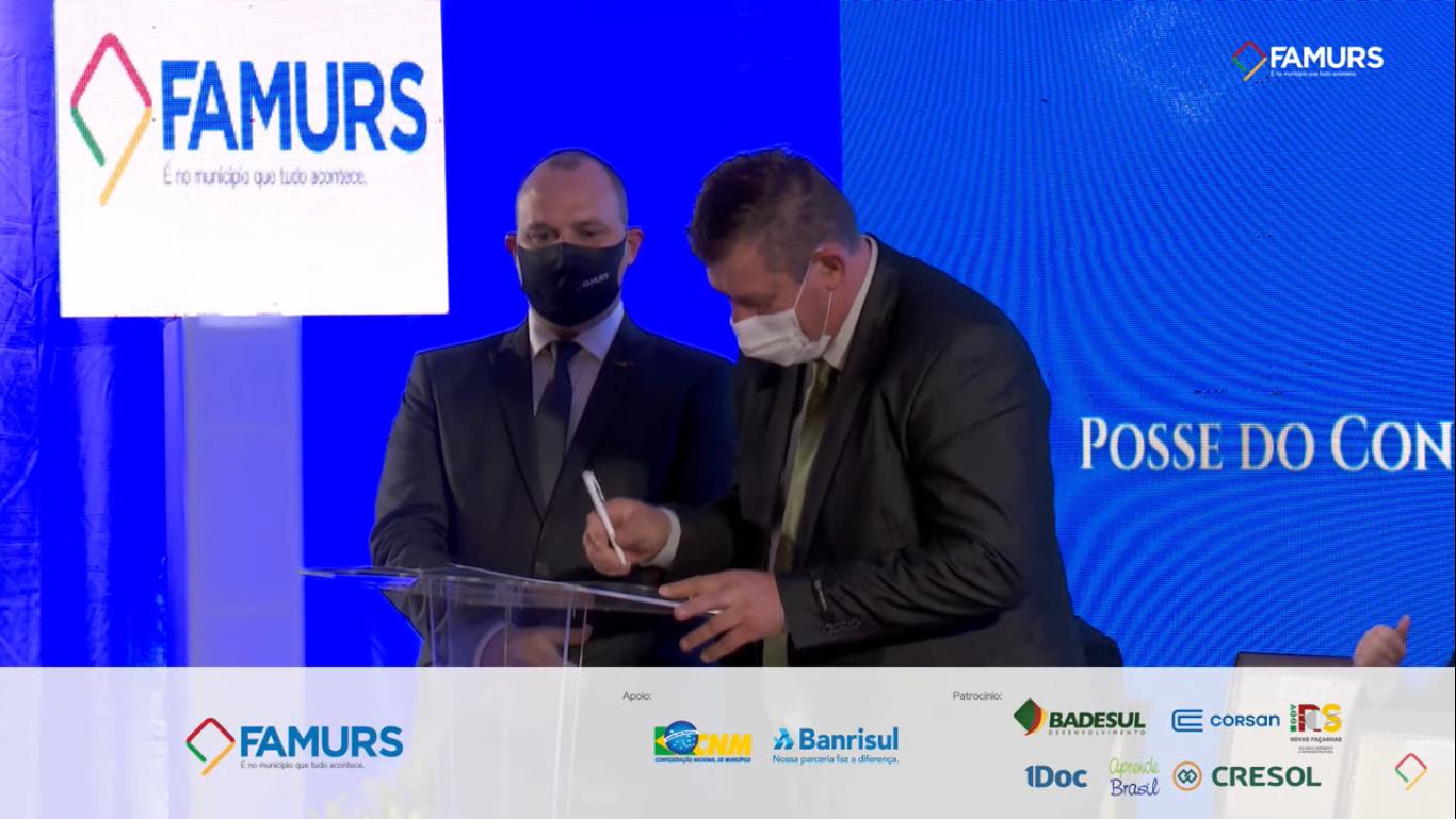 Eduardo Bonotto, prefeito de São Borja, assume presidência da Famurs tendo Sérgio Lasch, de Lagoa dos Três Cantos como um de seus vices